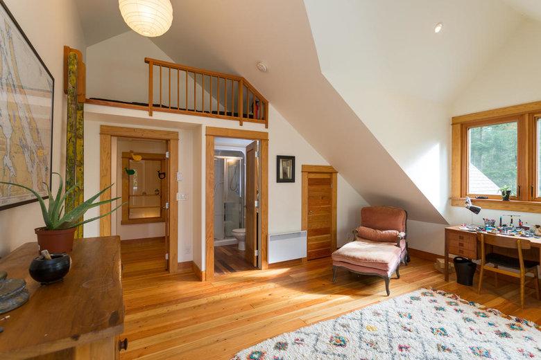 upstairs bedroom with ensuite