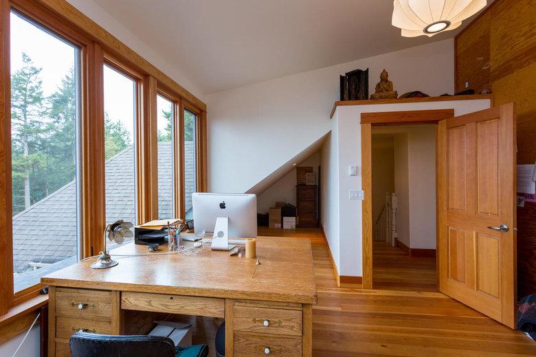 upstairs office or bedroom
